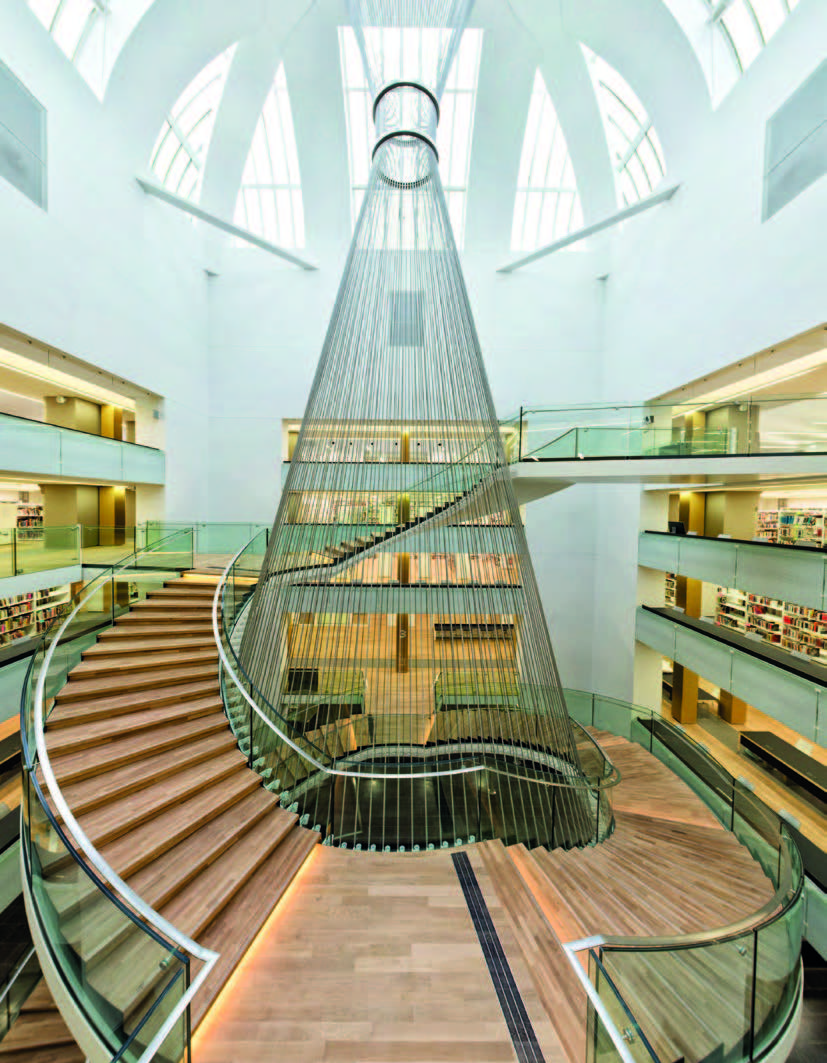 Figure 1 – Le grand escalier de la BNU, lieu           d'une expérience sensorielle inédite.
