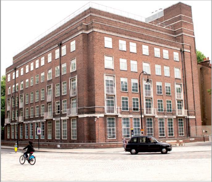 Figure 1 – La bibliothèque de l'Institut           Warburg, vue de Byng Place.